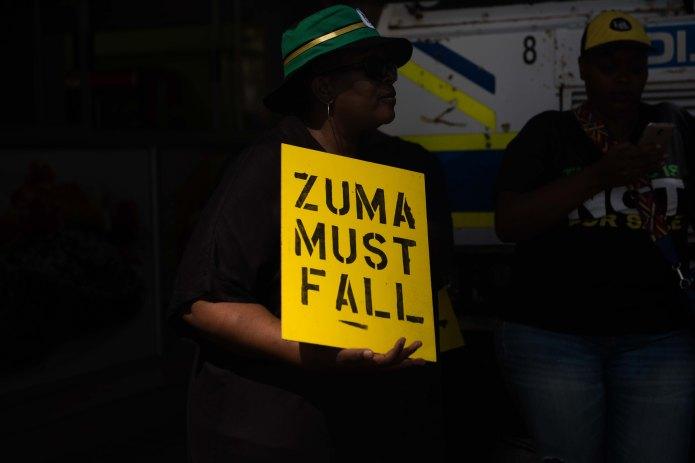 Pro and anti-Zuma protests outside Luthuli House